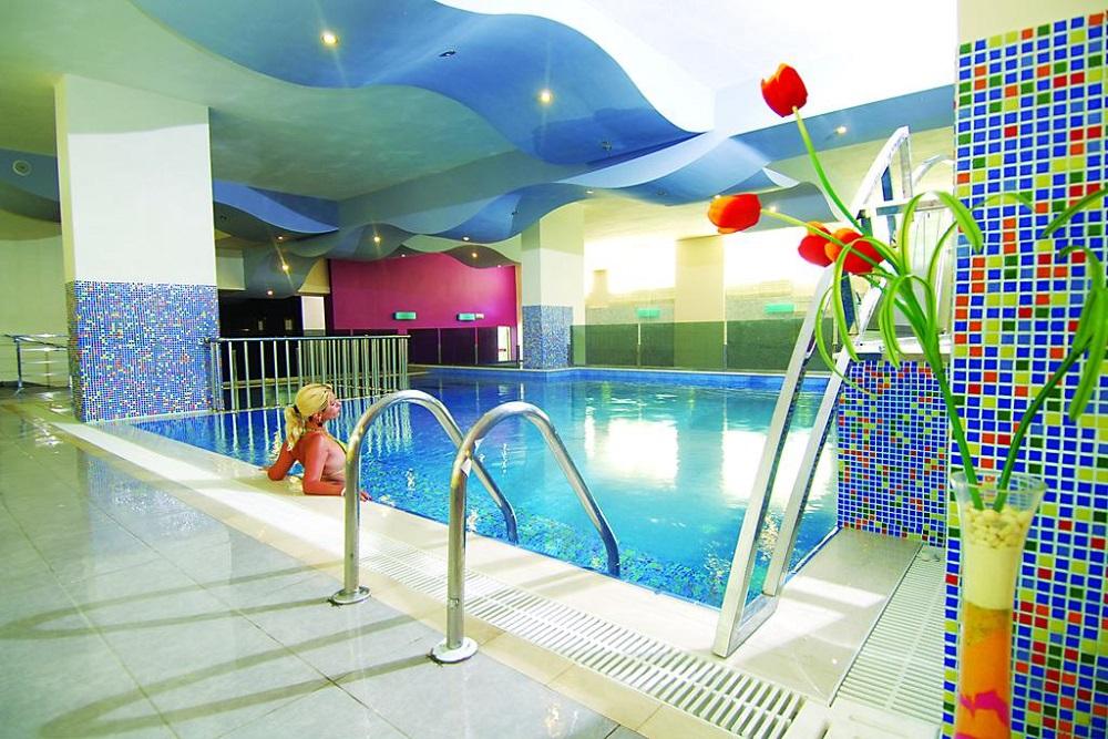 Alanya, My Home Resort piscina acoperita.jpg