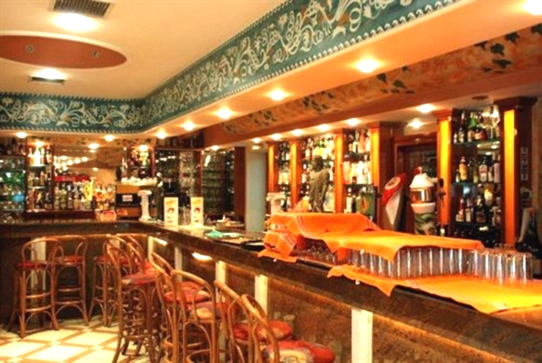 Corfu, Hotel Gouvia, bar.jpg