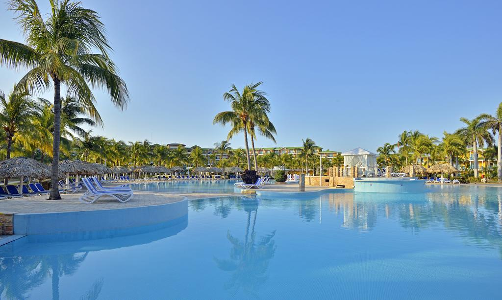 Melia Las Antillas - pool.jpg