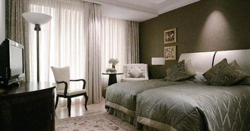 Hotel Mardan Palace premium room.JPG