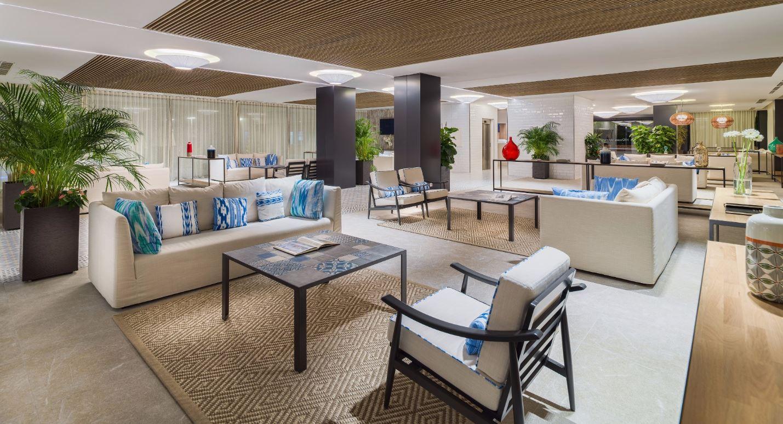 Mallorca_Hotel_H10_Casa_Del_Mar_lobby.jpg