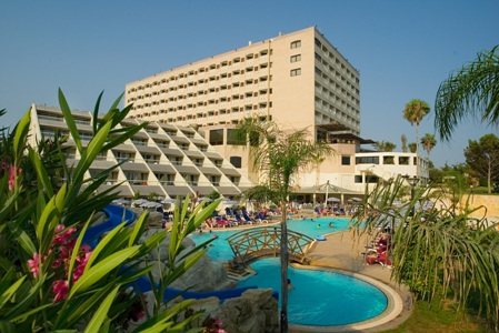 cipru_limassol_hotel_st_raphael_resort_1.jpg