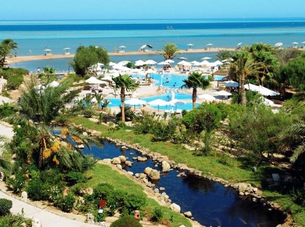Hurghada, Hotel Movenpick El Gouna, gradina, piscina exterioara, mare.jpg