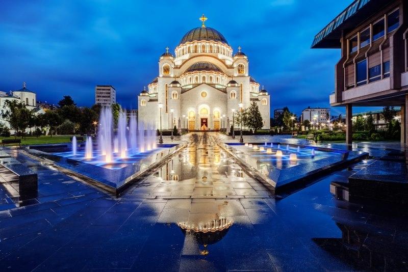 Catedrala-Sf-Sava-Belgrad.jpg