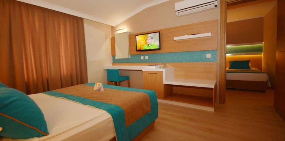 sandy-beach-hotel_aile-oda.jpg