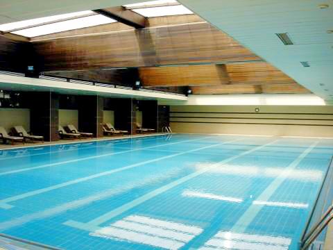 Riviera Beach, Hotel Imperial, interior, piscina interioaraedited.jpg