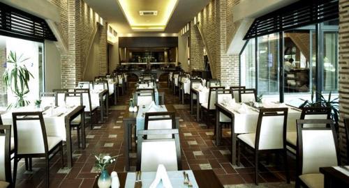 Hotel Limak Limra restaurant.JPG