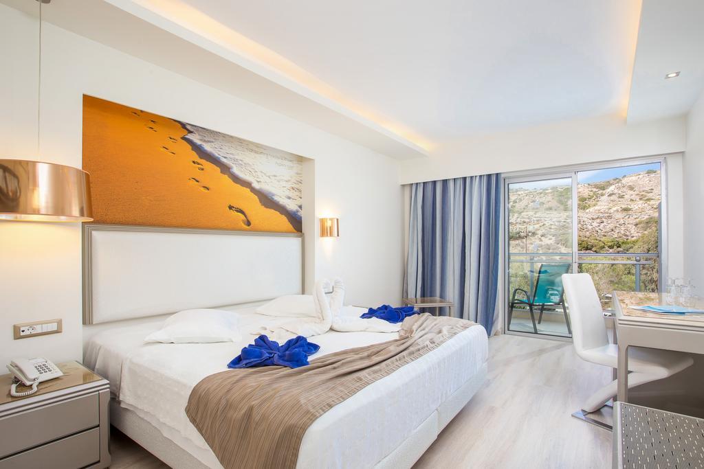 Pegasos Deluxe Beach Hotel1.jpg