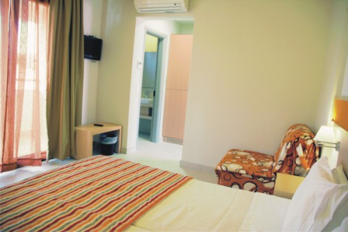 Hotel Lagomandra Beach camera dubla.jpg