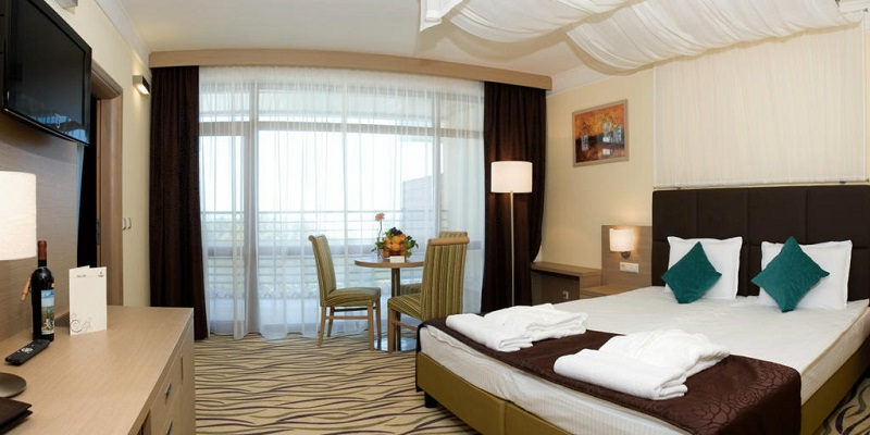 Hotel Flamingo Grand Camera.jpg