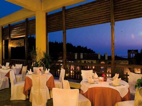 Hotel Simantro Beach restaurant.JPG