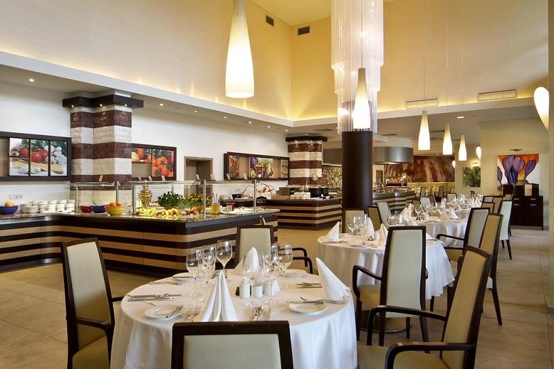 Hotel Flamingo Grand Restaurant.jpg