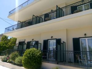 hotel-pavlos-studios-10 (1).jpg