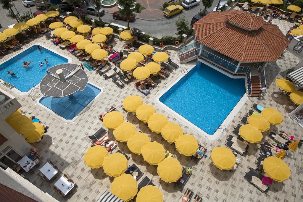 Hotel Villa Sunflower Aparts & Suites, Alanya, Antalya piscina exterioara.jpg