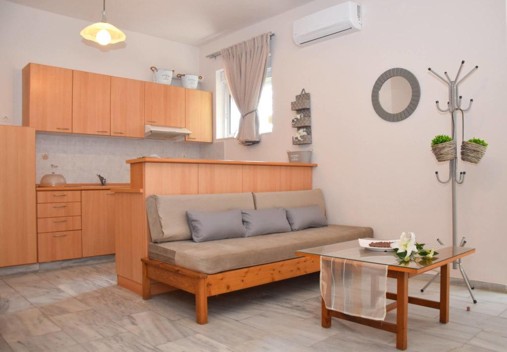Inside-the-Room-Atlantida-Mare-Hotel-Agia-Marina-5-1024x711.jpg