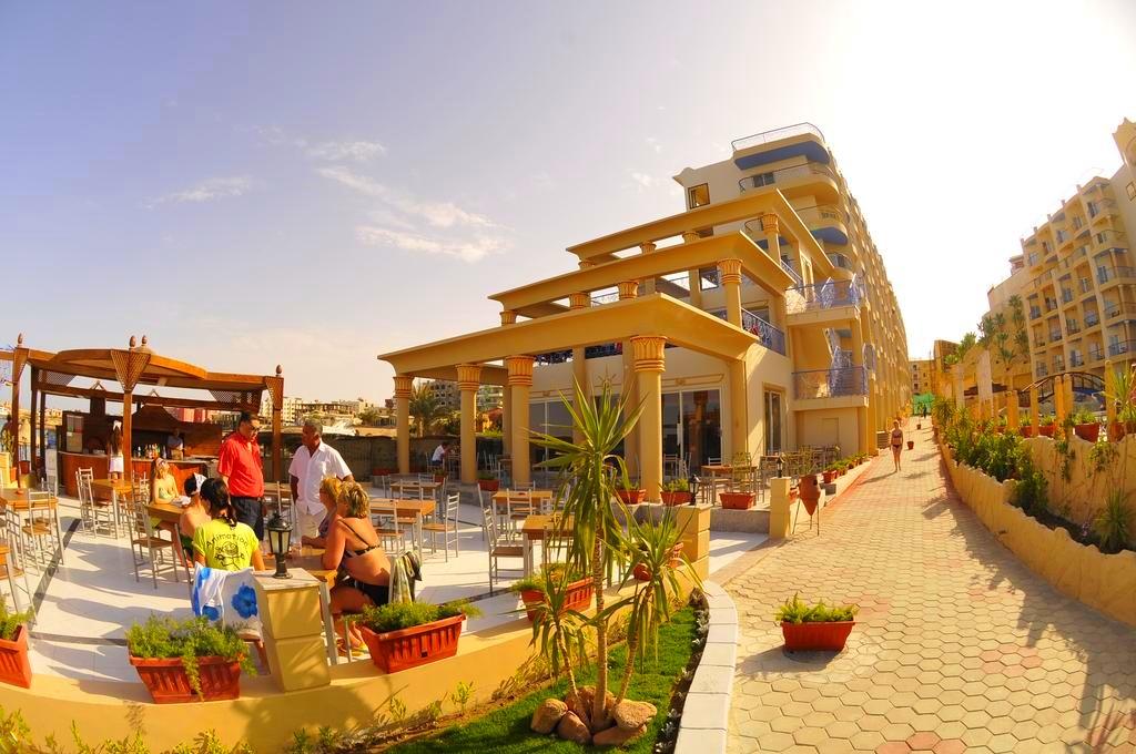 Hurghada, Egypt, Hotel Sphinx Resort, terasa.jpg