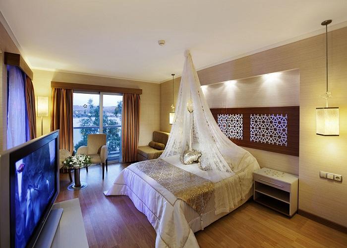 ROYAL ASARLIK BEACH HOTEL AND SPA 1.jpg