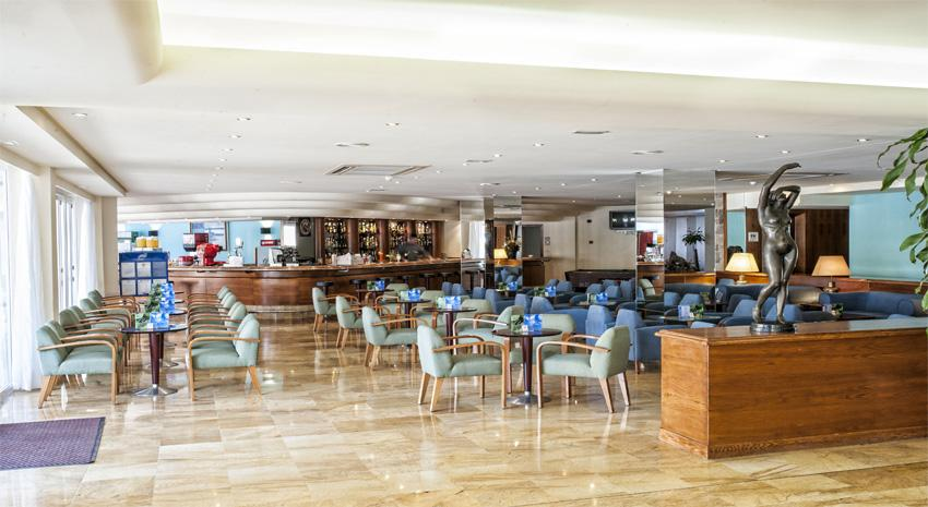 81336-bar---3-star-hotel-with-all-inclusive-in-playa-de-palma.jpg