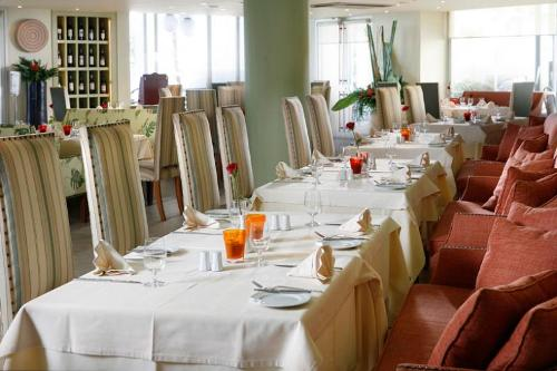 Hotel (Aquila ) Rithymna Beach restaurant.jpg