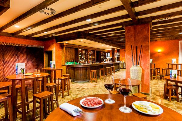 Tenerife, Hotel Isabel, bar.jpg