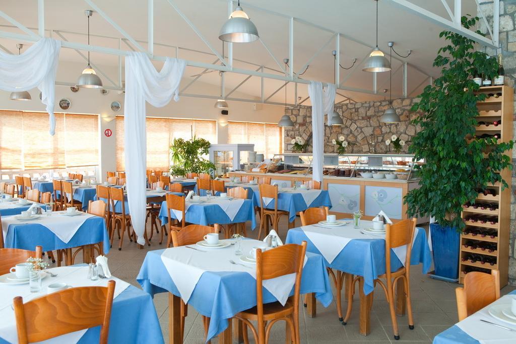 dhc restaurant.jpg