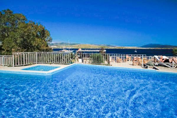 Bodrum, Hotel Akvaryum Beach Peda, piscina exterioara, mare.jpg
