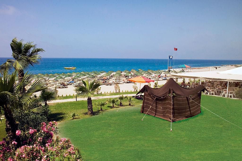 Club-Hotel-Titan-beach-001.jpg