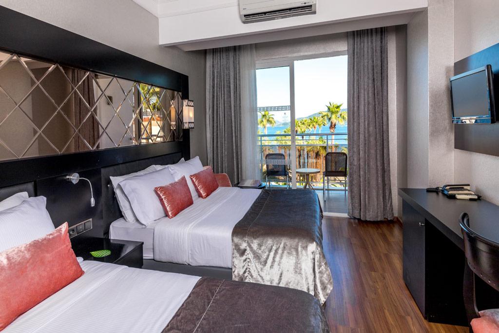iphotels_ideal_prime_beach_standard_room_01.jpg