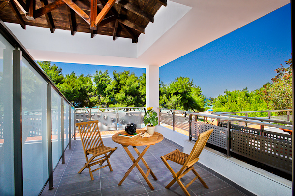 sup double balcony.jpg