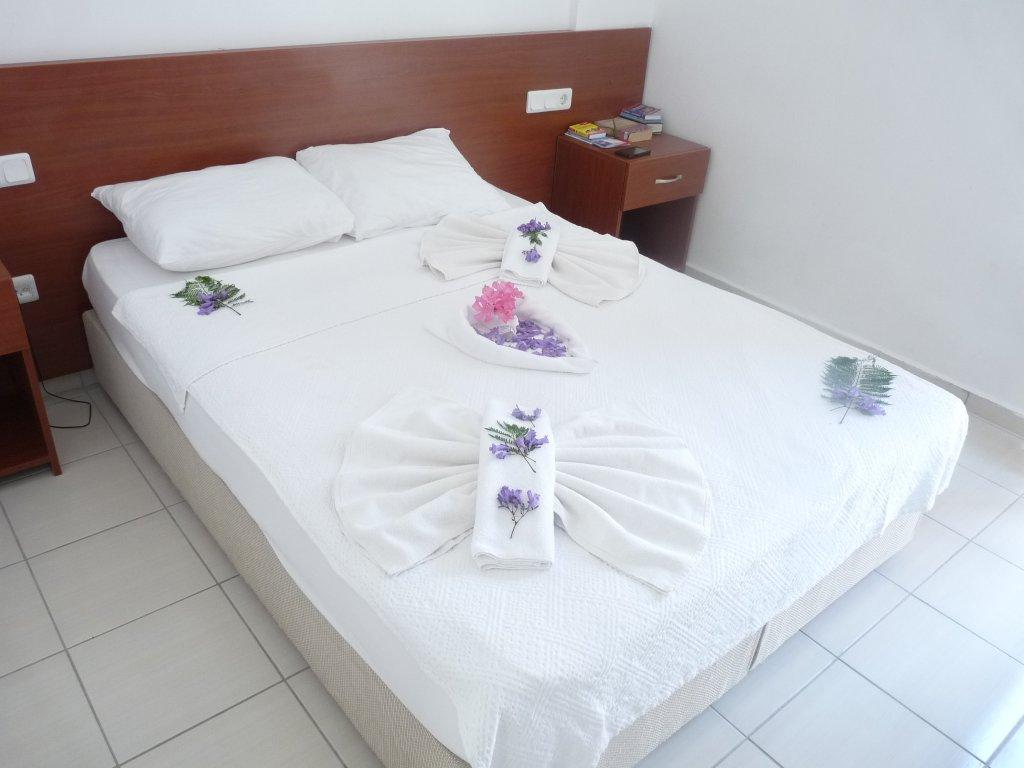 kriss-hotel.jpg