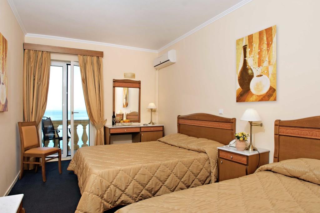 hotel-pontikonissi-rooms-07-1024x683.jpg