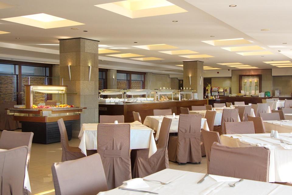 restaurant_02.jpg