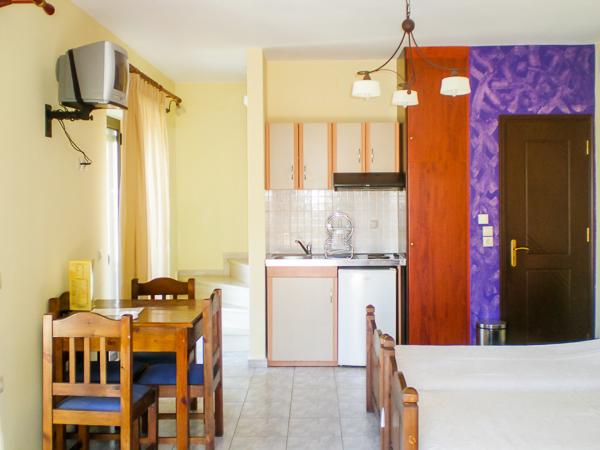 Anastasia Village, Lefkada, camera, pat, chicineta.jpg