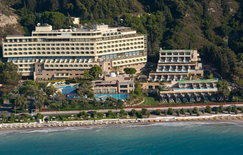 Hotel Amathus Beach.jpg