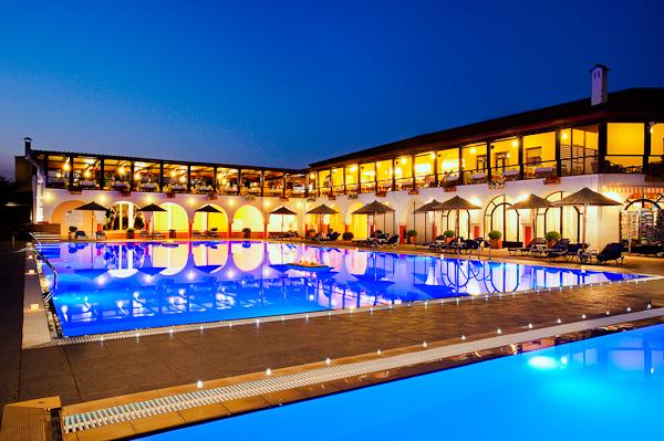 Halkidiki, Hotel Blue Dolphin, piscina exterioara.jpg