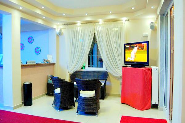Nei Pori, Hotel Manolas, interior, tv lounge.jpg
