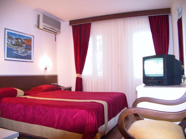 65_room 2.jpg