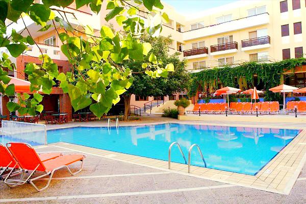 Hotel Atrium, Chania, exterior, piscina, sezlonguri, hotel.jpeg