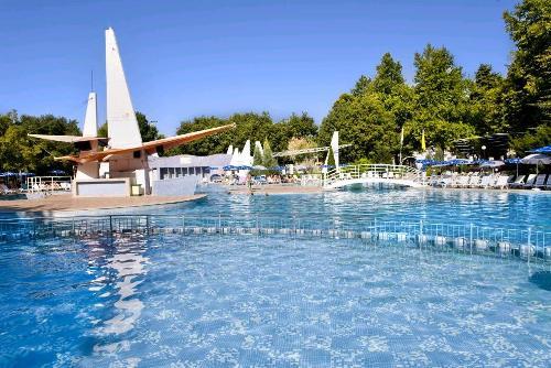 Hotel Ralitsa piscina.JPG
