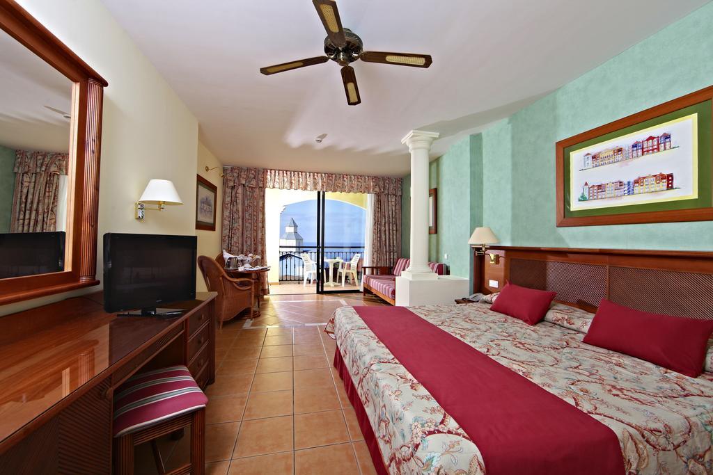 Bahia Principe Tenerife Resort 17.jpg