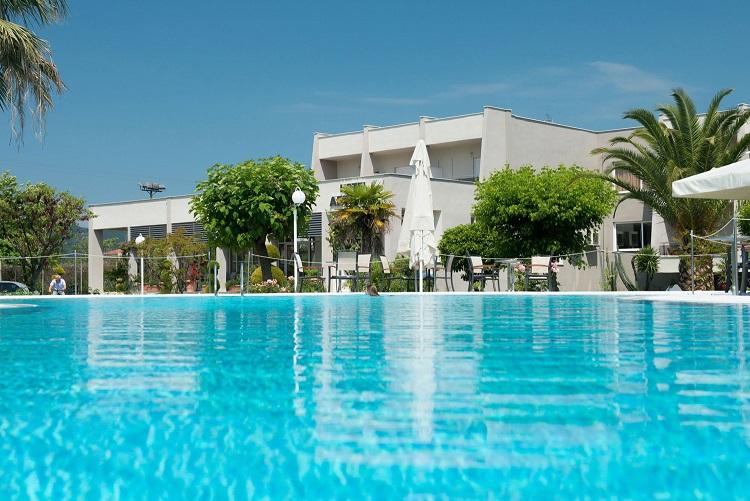 aethria piscina.jpg
