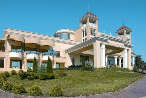 Hotel  Belleville.jpg