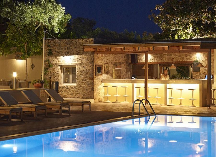 atrium skiathos piscina.jpg