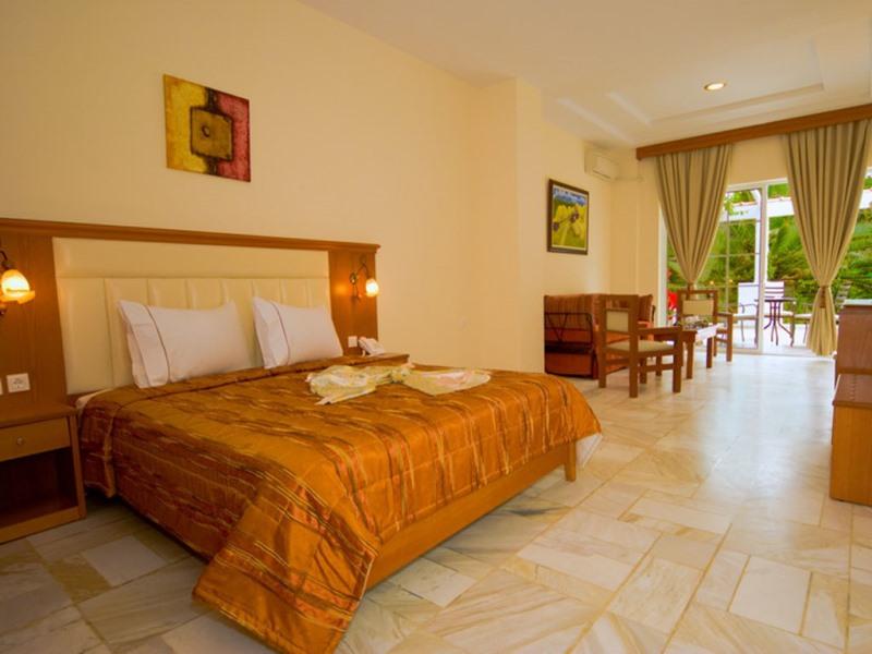 PORFI BEACH HOTEL - NIKITI (4).jpeg