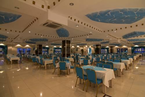 Hotel Daima Biz Resort restaurant.jpg