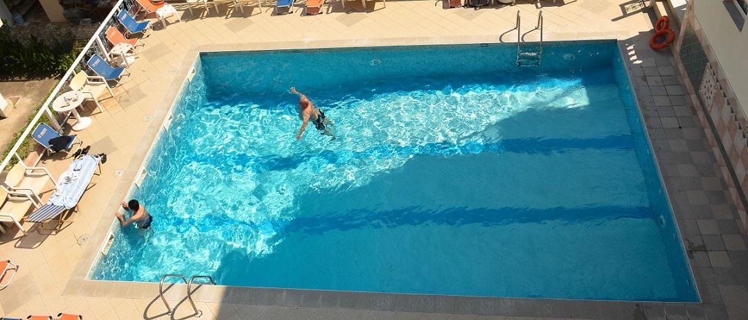 atlantis piscina.jpg