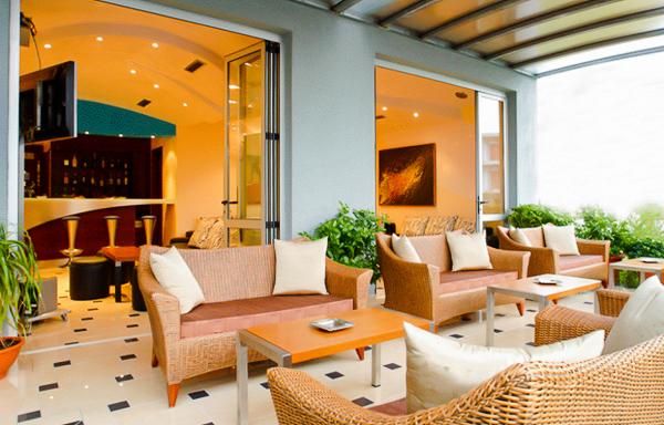 Nei Pori, Hotel Stilvi, lobby bar.jpg