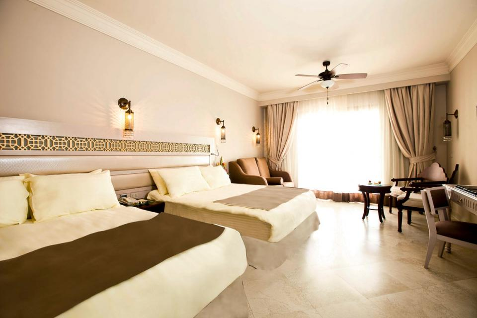 1364986453_SUNRISE-Grand-Select-Arabian-Beach-Resort-Superior-Room-(1).jpg
