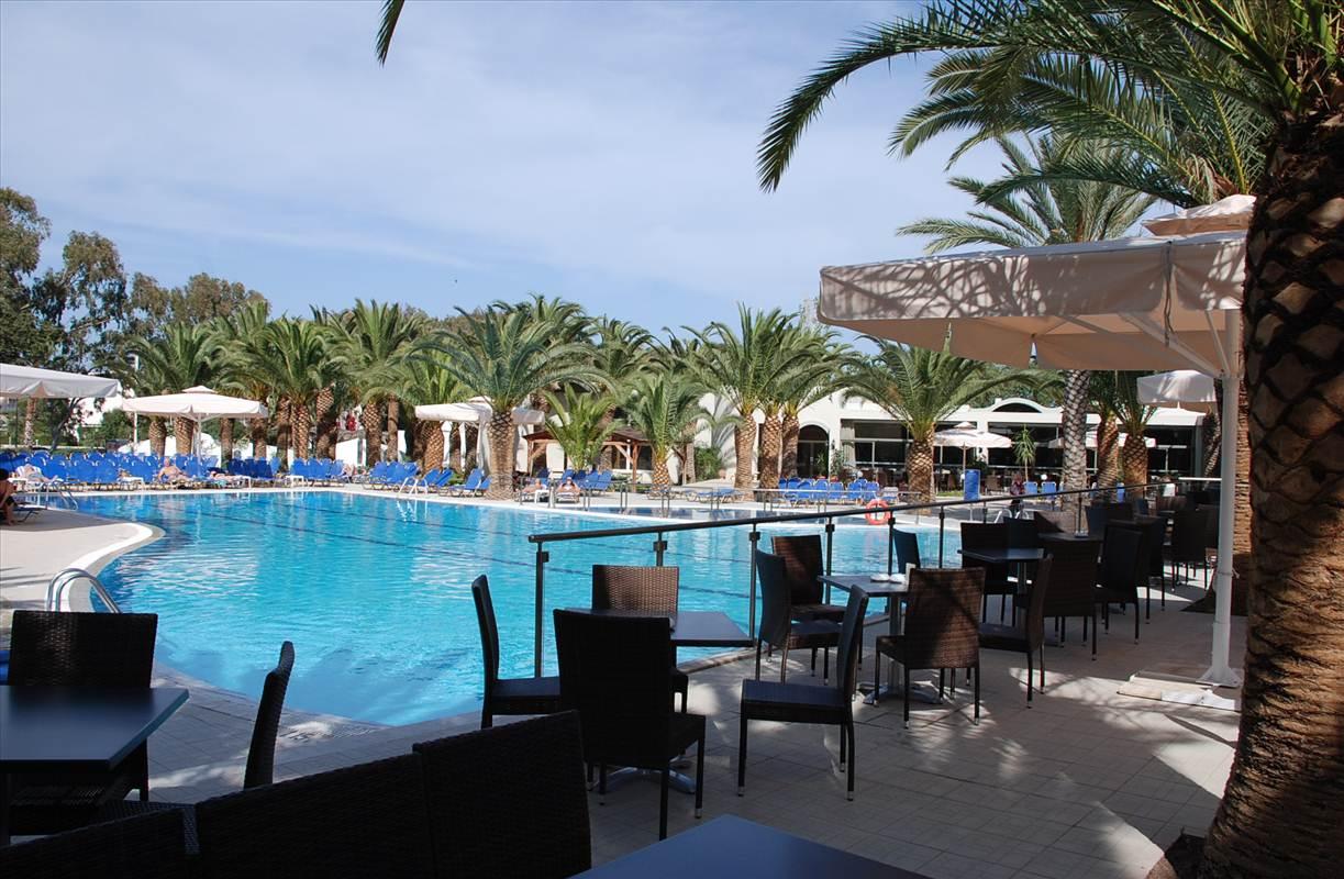 Hippocrates Hotel_Swimming Pool 01.JPG