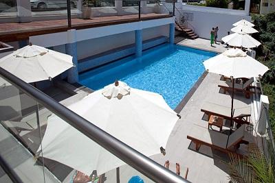 Semiramis swimmingpool2.jpg